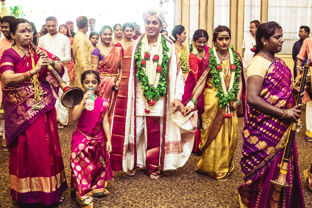 Lingayath-Candid-Wedding-Photography-Bangalore-0100.jpg