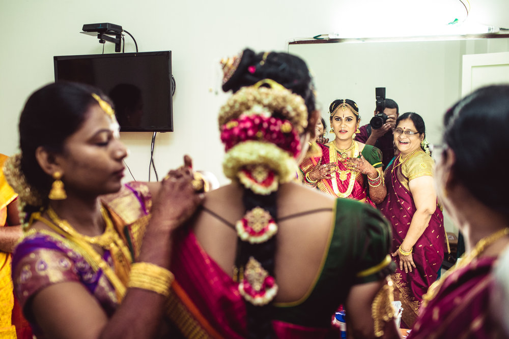 Candid-Photography-Tamil-Brahmin-Wedding-Chennai-0049.jpg