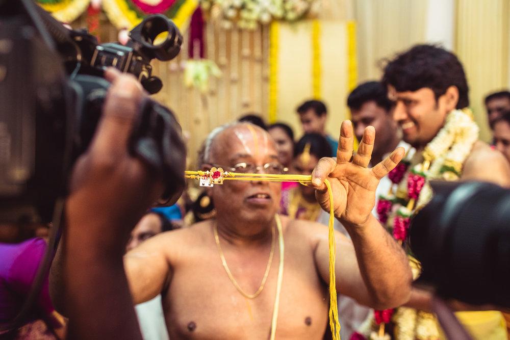 Candid-Photography-Tamil-Brahmin-Wedding-Chennai-0052.jpg