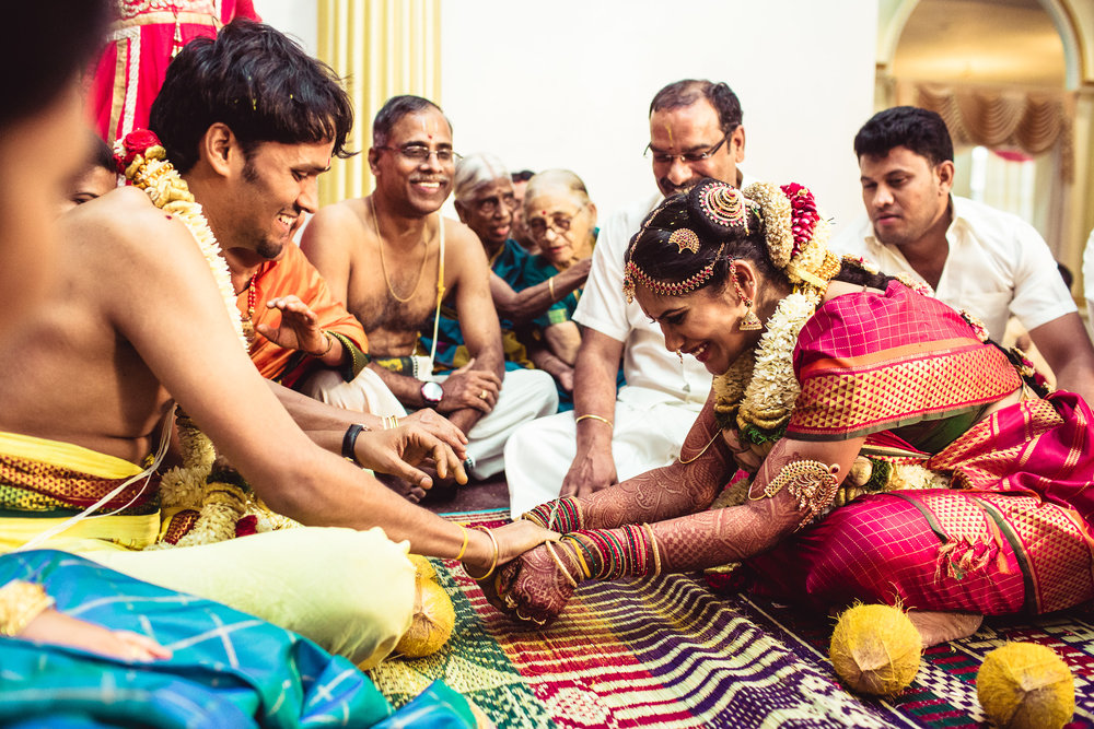 Candid-Photography-Tamil-Brahmin-Wedding-Chennai-0075.jpg