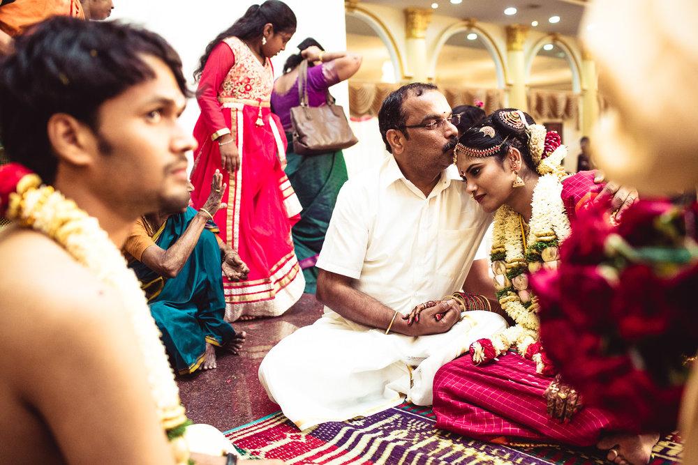 Candid-Photography-Tamil-Brahmin-Wedding-Chennai-0076.jpg