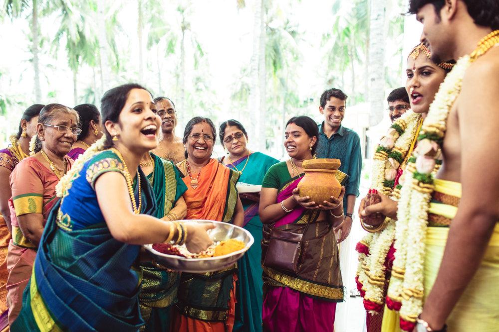 Candid-Photography-Tamil-Brahmin-Wedding-Chennai-0079.jpg