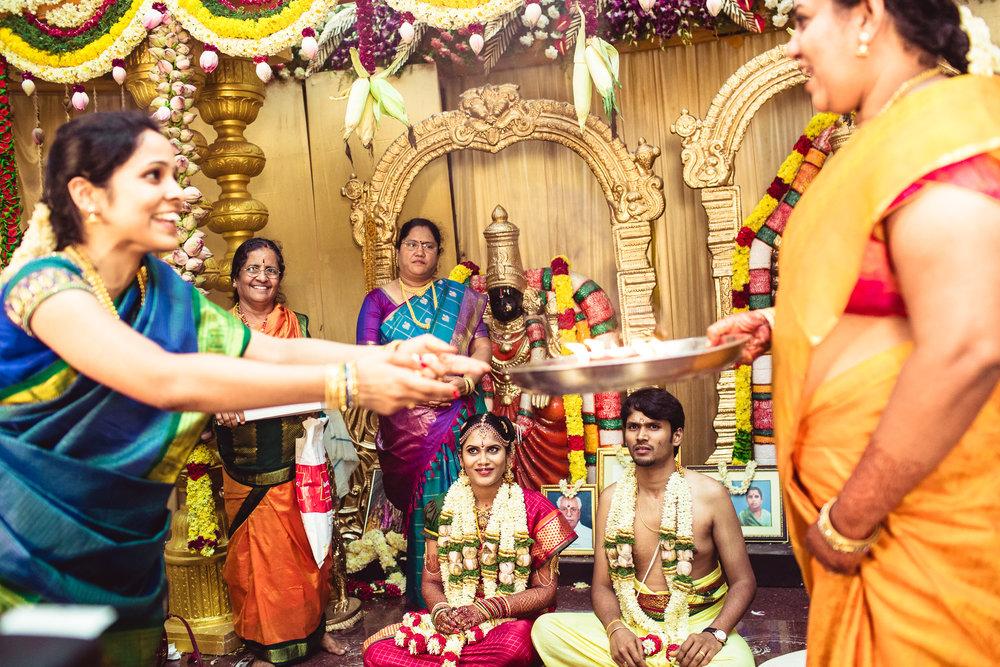 Candid-Photography-Tamil-Brahmin-Wedding-Chennai-0083.jpg