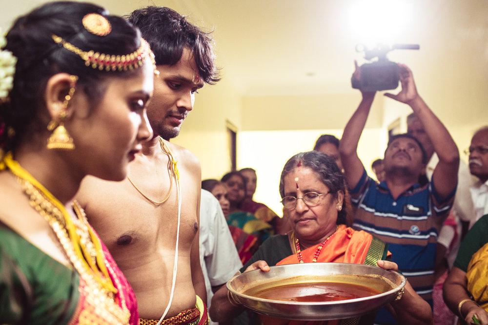 Candid-Photography-Tamil-Brahmin-Wedding-Chennai-0085.jpg