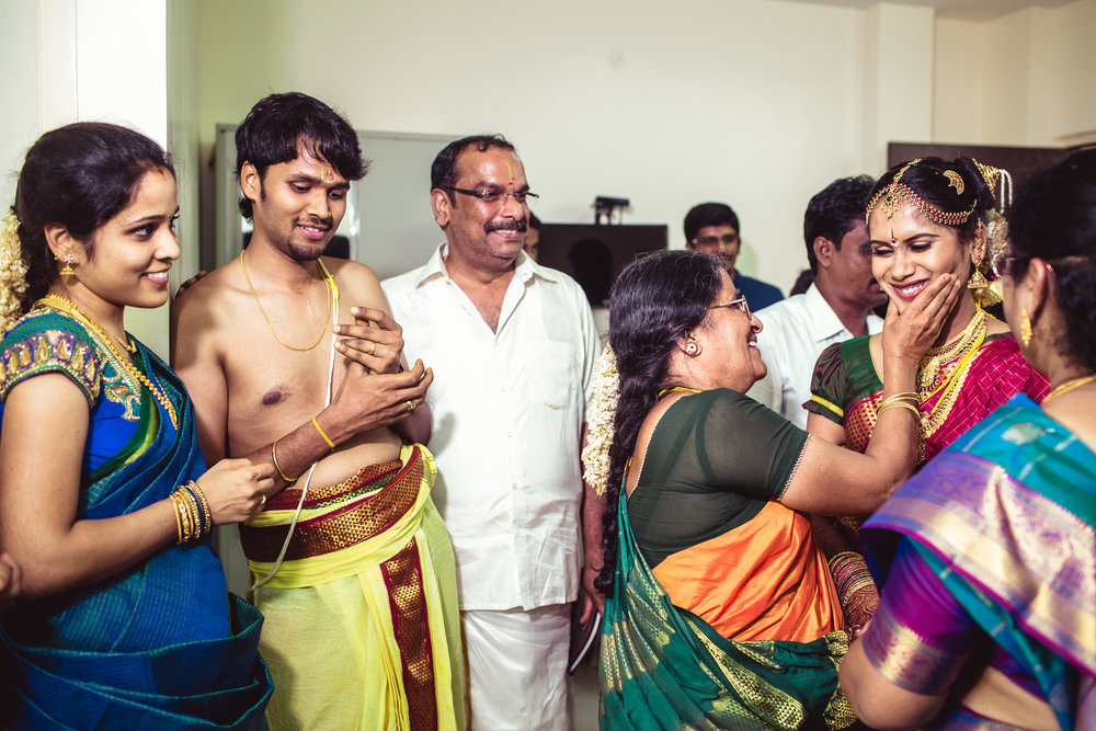 Candid-Photography-Tamil-Brahmin-Wedding-Chennai-0089.jpg