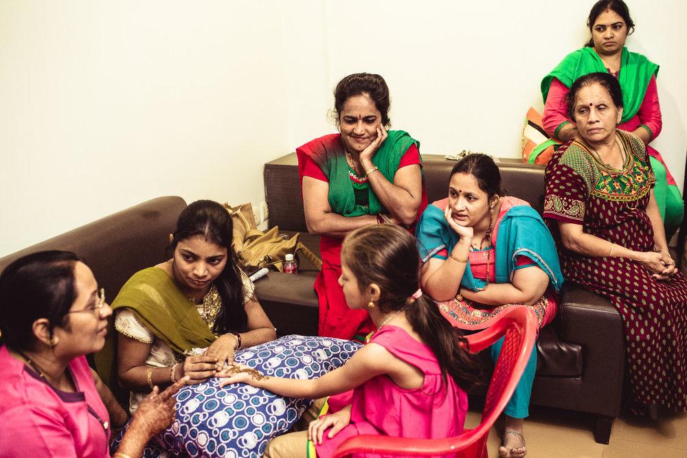 candid-photographer-gsb-wedding-mumbai-0012.jpg