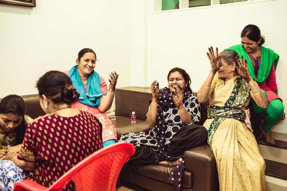 candid-photographer-gsb-wedding-mumbai-0016.jpg