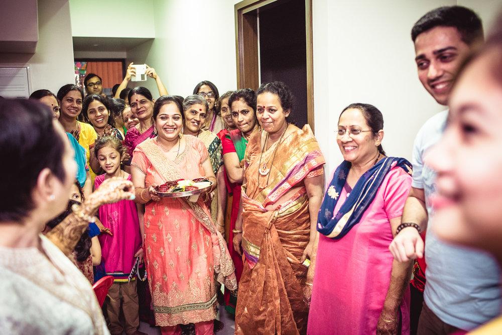 candid-photographer-gsb-wedding-mumbai-0020.jpg