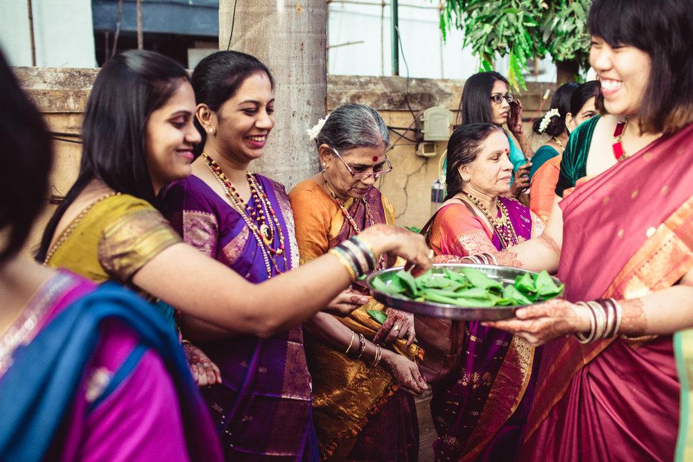 candid-photographer-gsb-wedding-mumbai-0041.jpg