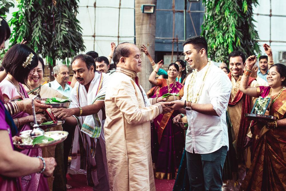 candid-photographer-gsb-wedding-mumbai-0043.jpg
