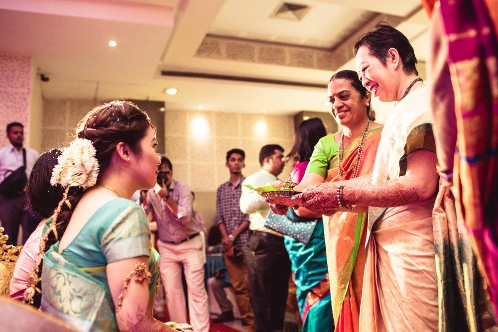 candid-photographer-gsb-wedding-mumbai-0049.jpg