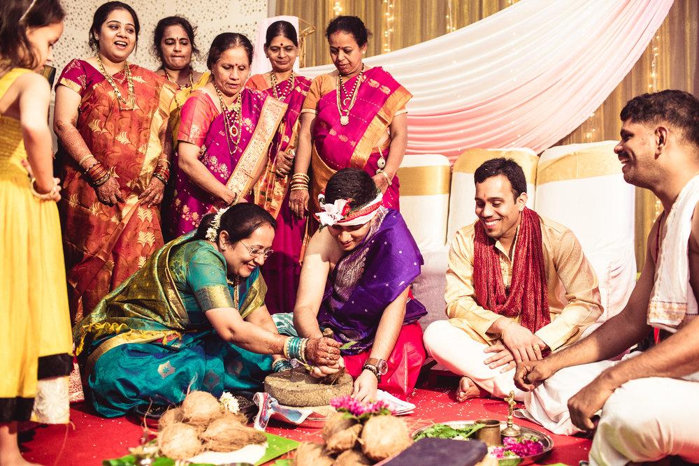 candid-photographer-gsb-wedding-mumbai-0055.jpg