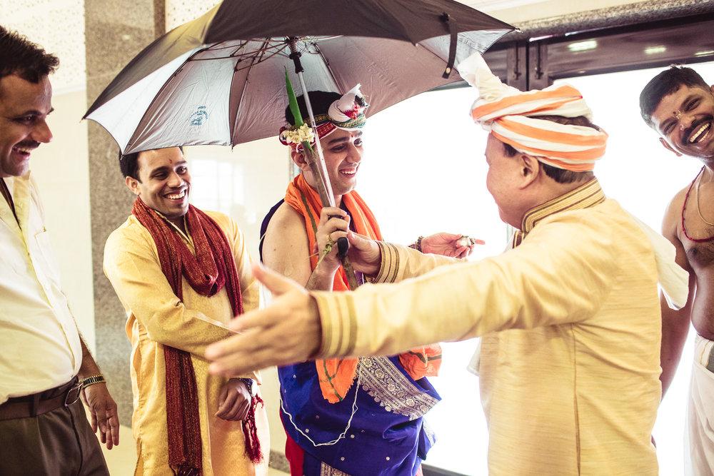 candid-photographer-gsb-wedding-mumbai-0061.jpg