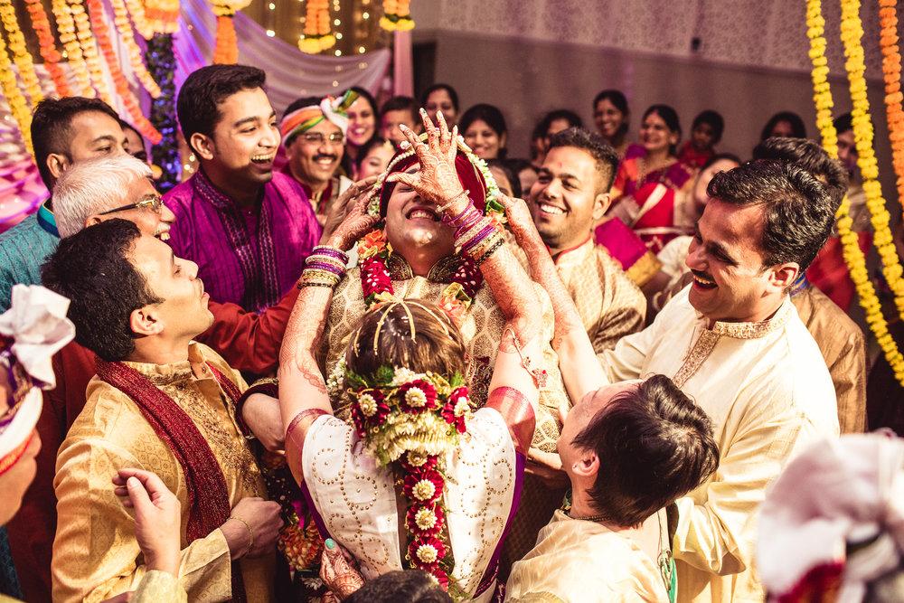 candid-photographer-gsb-wedding-mumbai-0075.jpg
