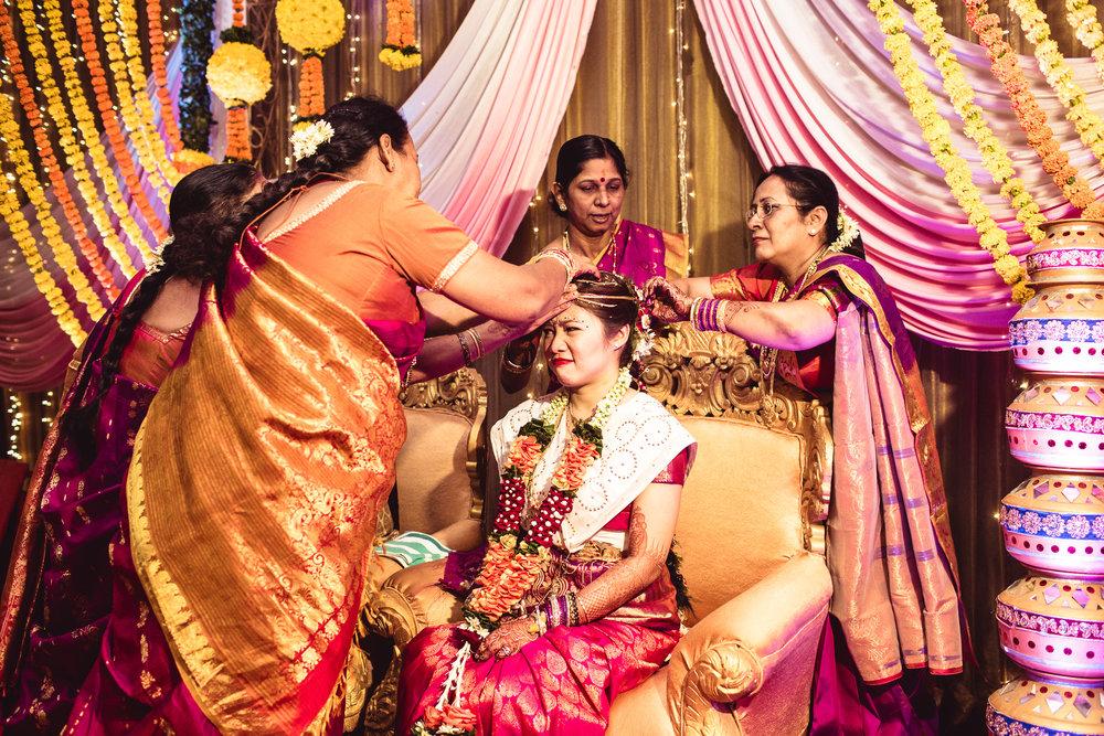 candid-photographer-gsb-wedding-mumbai-0077.jpg