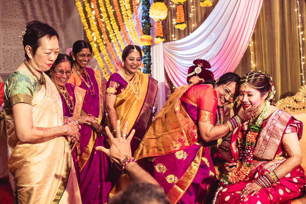 candid-photographer-gsb-wedding-mumbai-0087.jpg