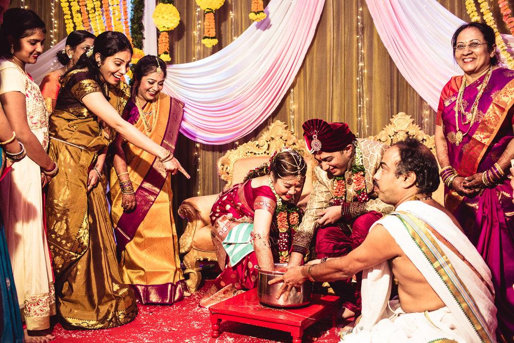 candid-photographer-gsb-wedding-mumbai-0091.jpg