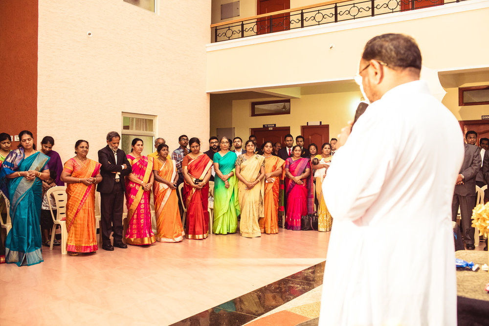Candid-Photography-Christian-Wedding-Bangalore-0026.jpg