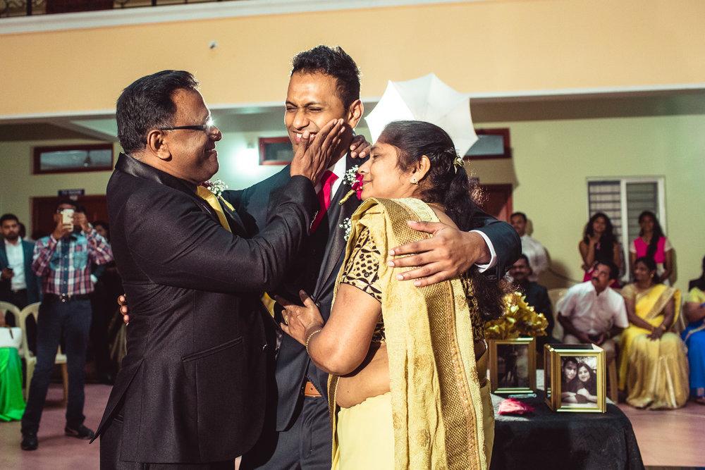 Candid-Photography-Christian-Wedding-Bangalore-0029.jpg
