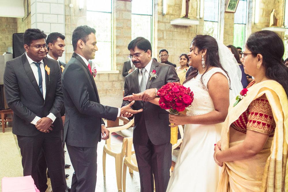 Candid-Photography-Christian-Wedding-Bangalore-0039.jpg