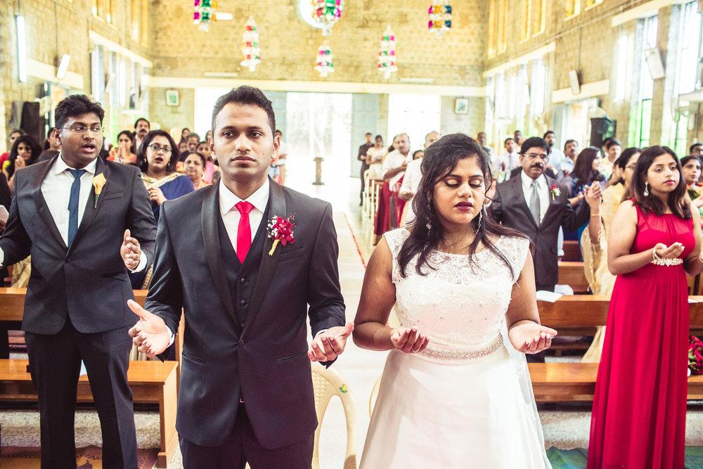 Candid-Photography-Christian-Wedding-Bangalore-0061.jpg