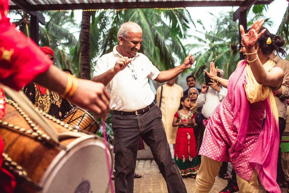 Candid-Photography-Tamil-Brahmin-Wedding-Bangalore-0011.jpg