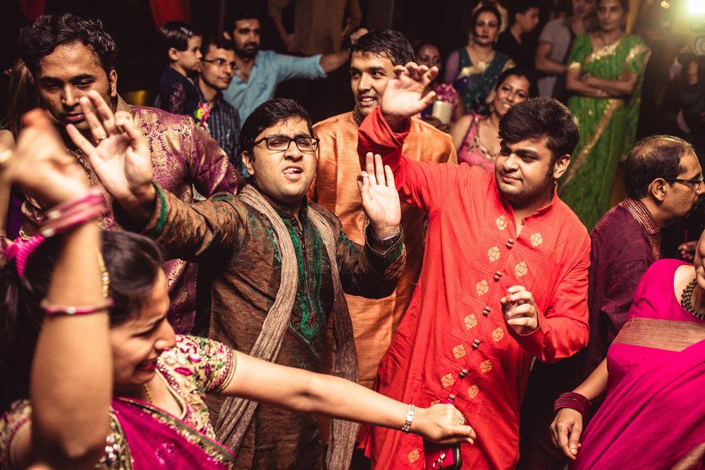 Candid-Photography-Tamil-Brahmin-Wedding-Bangalore-0015.jpg