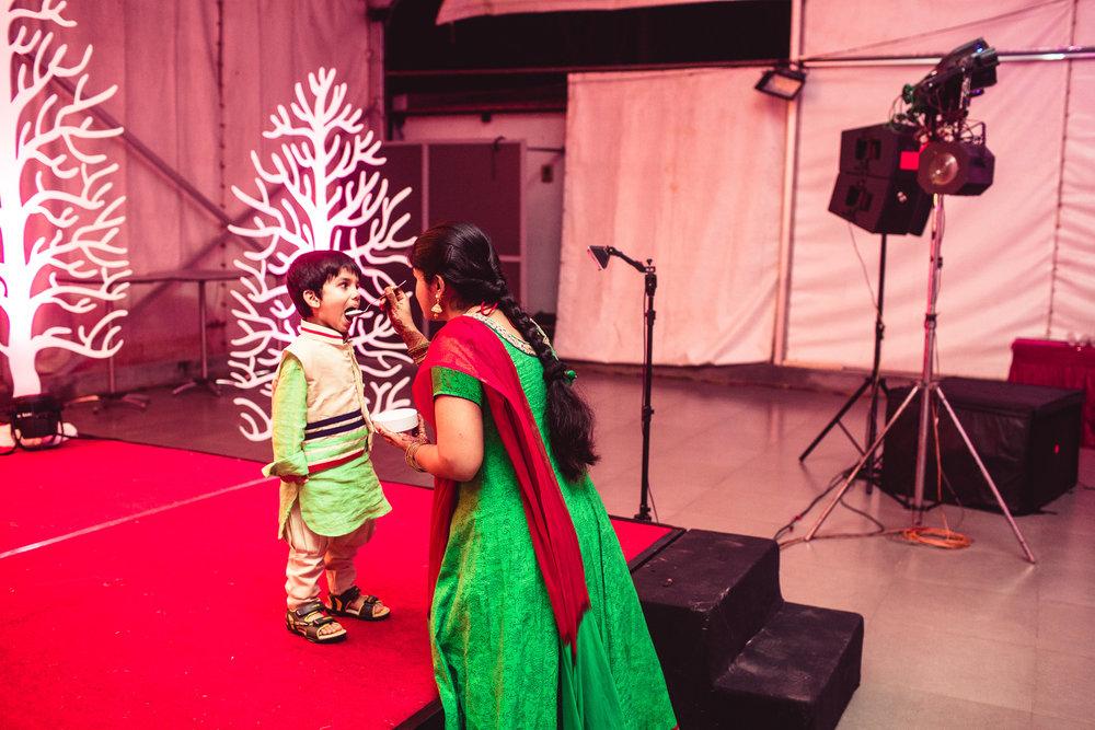Candid-Photography-Tamil-Brahmin-Wedding-Bangalore-0020.jpg