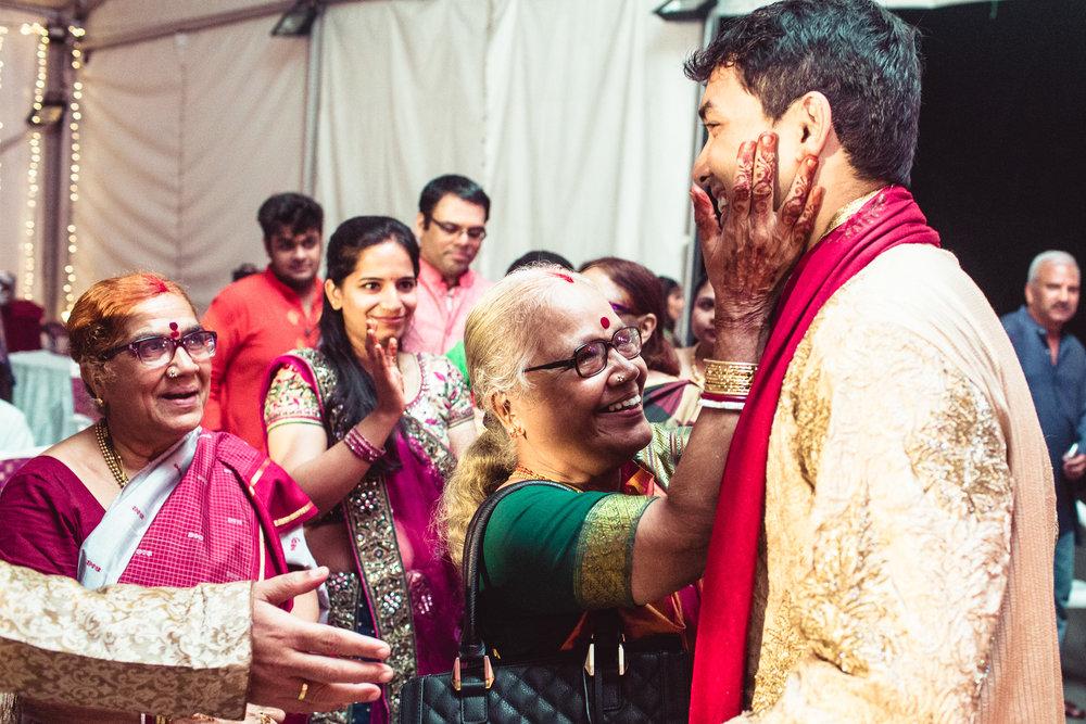 Candid-Photography-Tamil-Brahmin-Wedding-Bangalore-0035.jpg