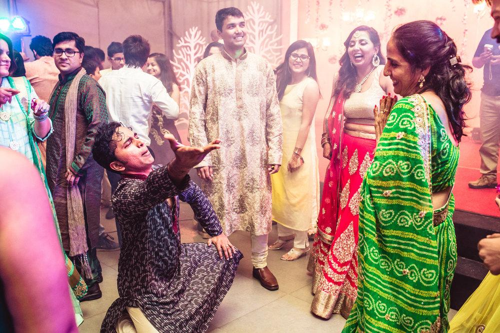Candid-Photography-Tamil-Brahmin-Wedding-Bangalore-0038.jpg