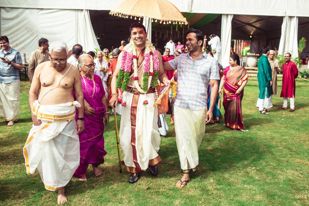 Candid-Photography-Tamil-Brahmin-Wedding-Bangalore-0051.jpg