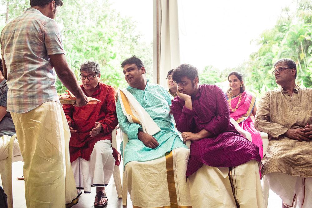 Candid-Photography-Tamil-Brahmin-Wedding-Bangalore-0068.jpg