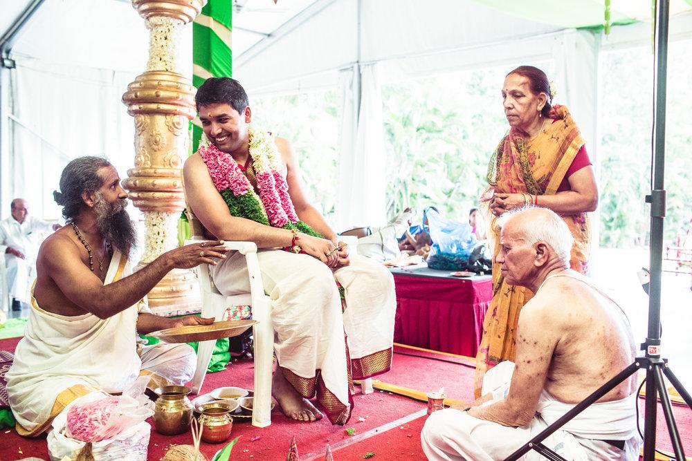 Candid-Photography-Tamil-Brahmin-Wedding-Bangalore-0070.jpg