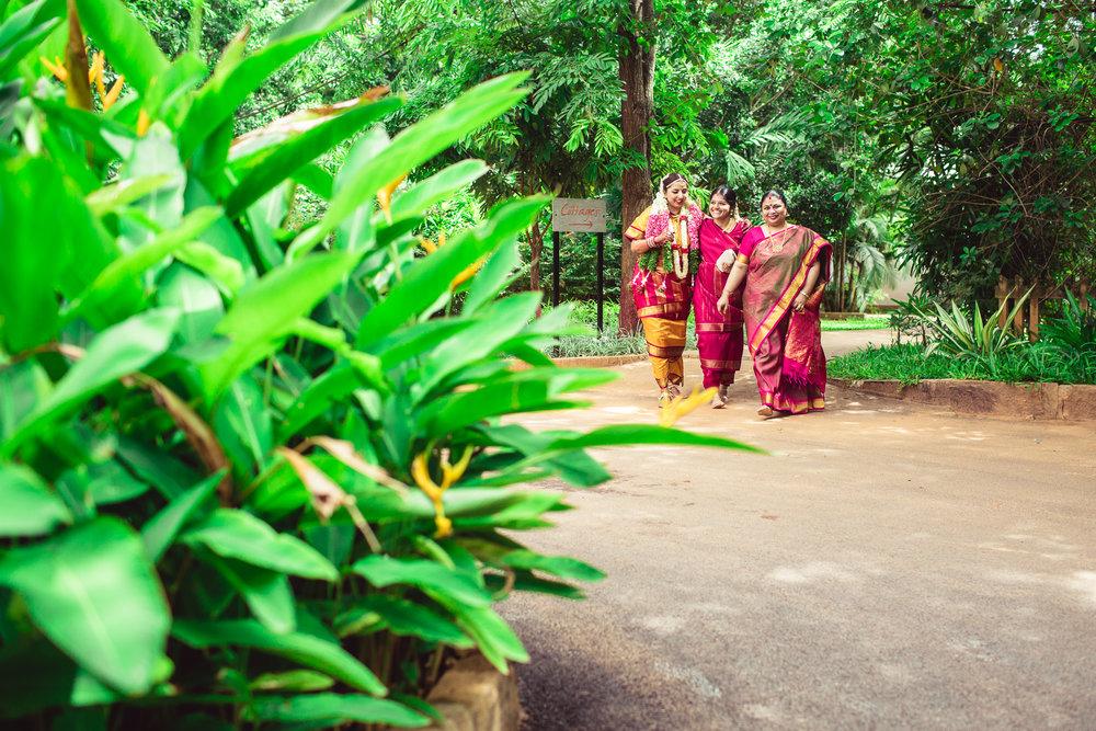 Candid-Photography-Tamil-Brahmin-Wedding-Bangalore-0073.jpg
