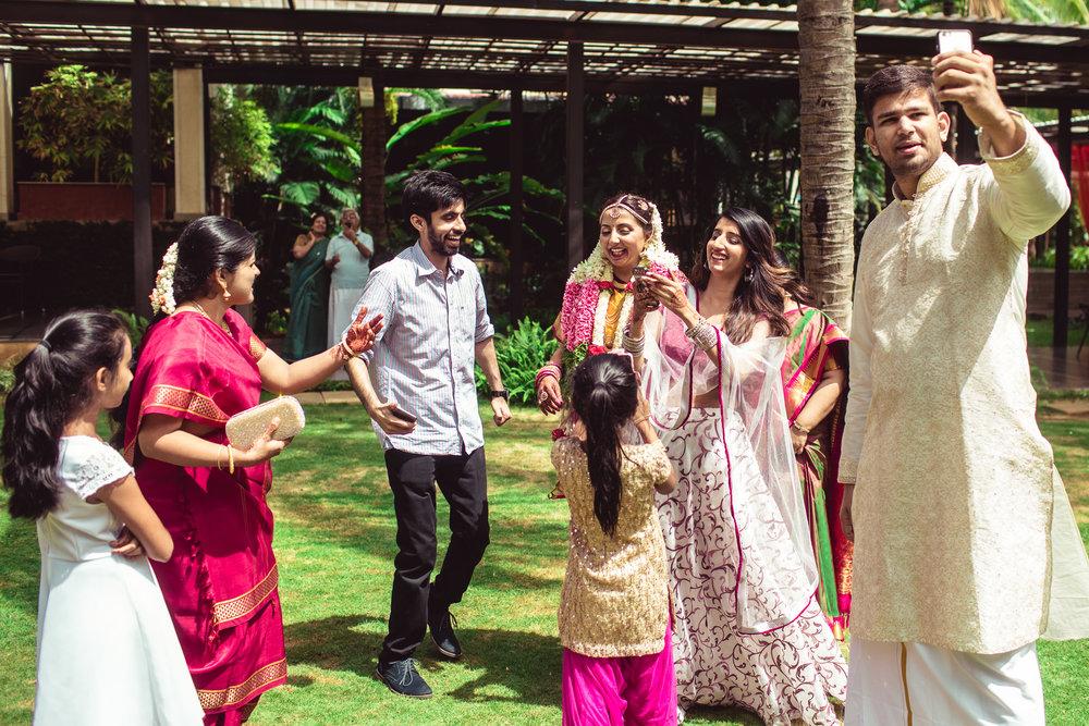 Candid-Photography-Tamil-Brahmin-Wedding-Bangalore-0074.jpg