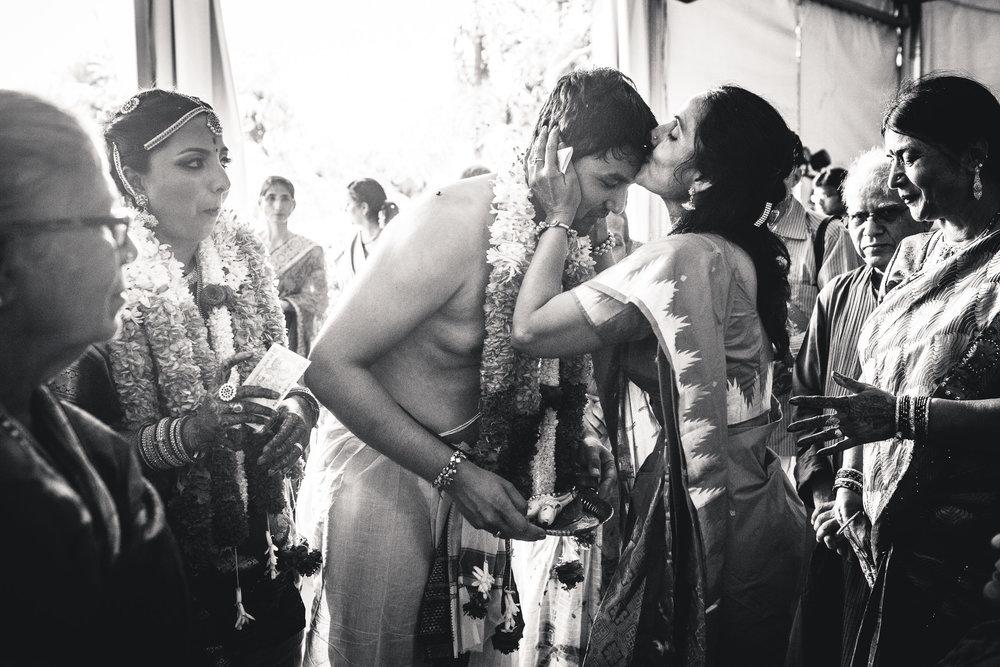 Candid-Photography-Tamil-Brahmin-Wedding-Bangalore-0088.jpg
