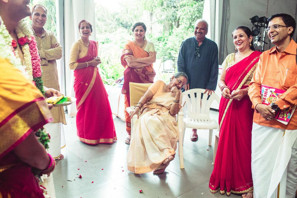 Candid-Photography-Tamil-Brahmin-Wedding-Bangalore-0090.jpg