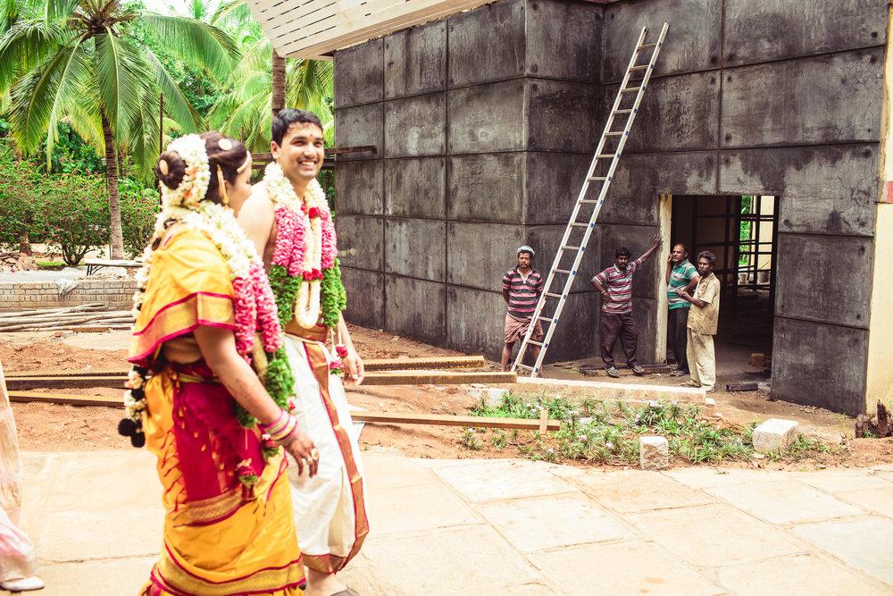 Candid-Photography-Tamil-Brahmin-Wedding-Bangalore-0092.jpg
