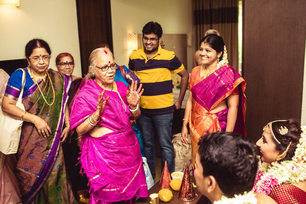 Candid-Photography-Tamil-Brahmin-Wedding-Bangalore-0095.jpg