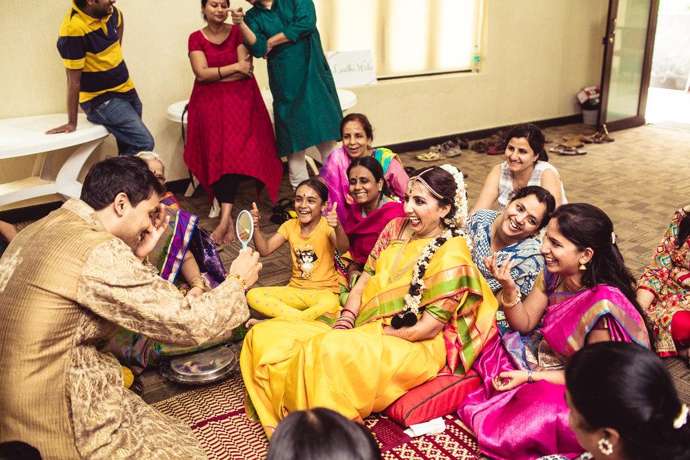 Candid-Photography-Tamil-Brahmin-Wedding-Bangalore-0099.jpg