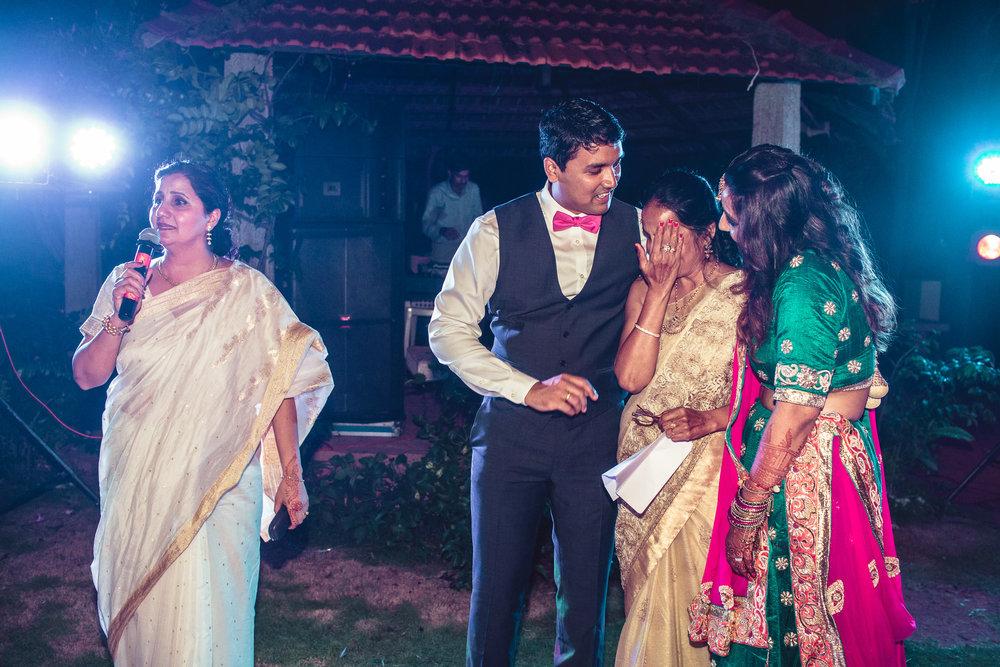 Candid-Photography-Tamil-Brahmin-Wedding-Bangalore-0113.jpg