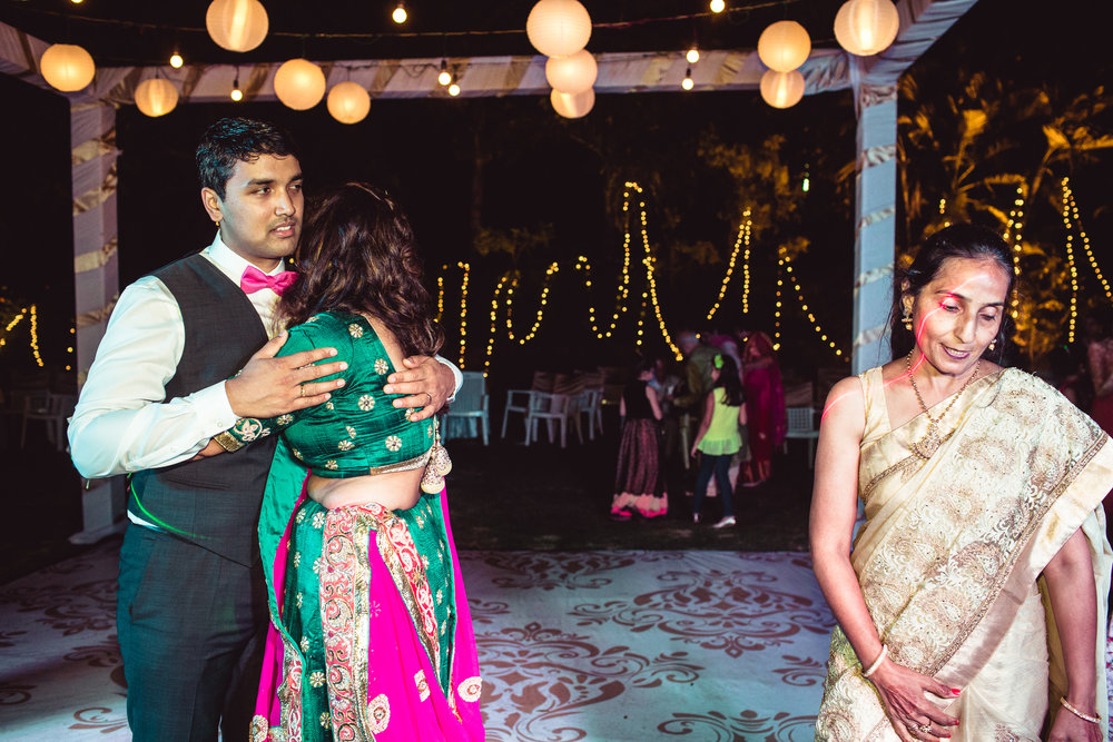 Candid-Photography-Tamil-Brahmin-Wedding-Bangalore-0114.jpg