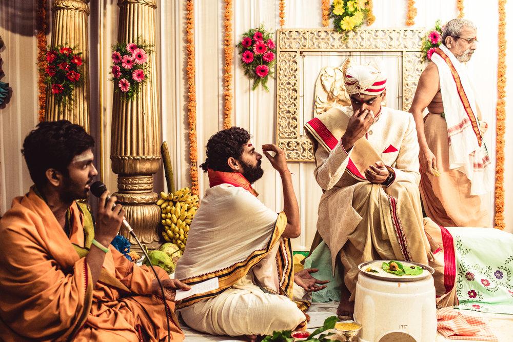 candid-photographer-telugu-wedding-hyderabad-0035.jpg