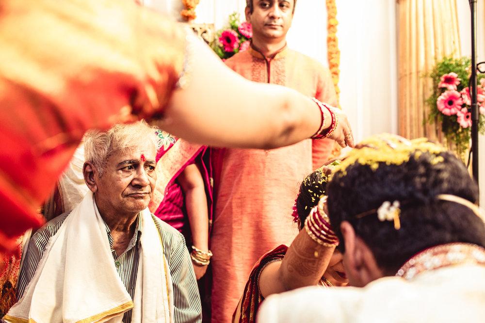 candid-photographer-telugu-wedding-hyderabad-0052.jpg