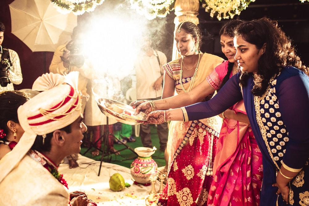 candid-photographer-telugu-wedding-hyderabad-0088.jpg