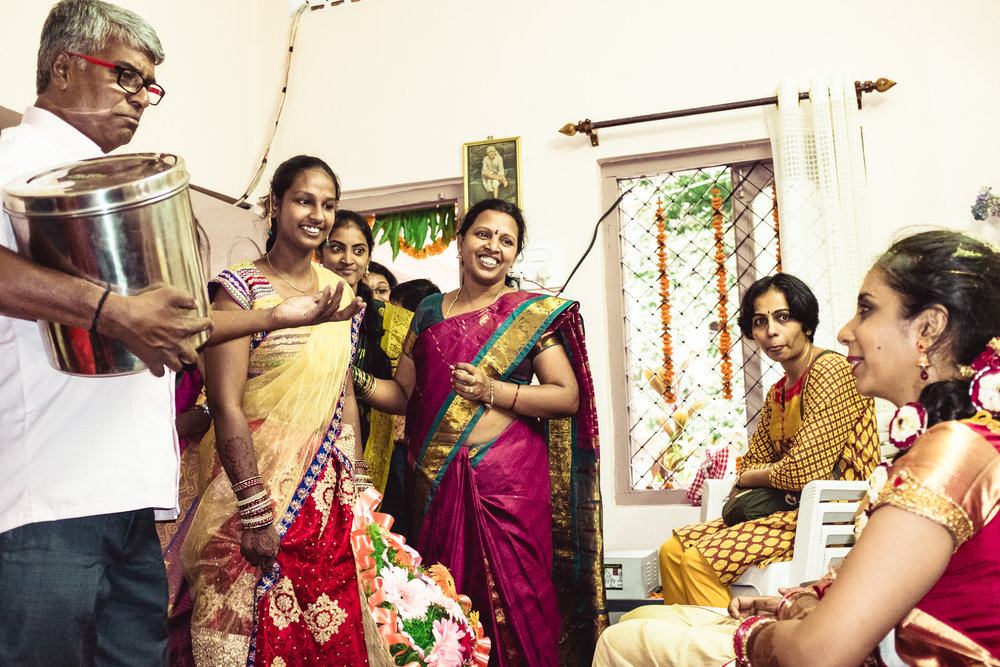 candid-photographer-telugu-wedding-hyderabad-0096.jpg