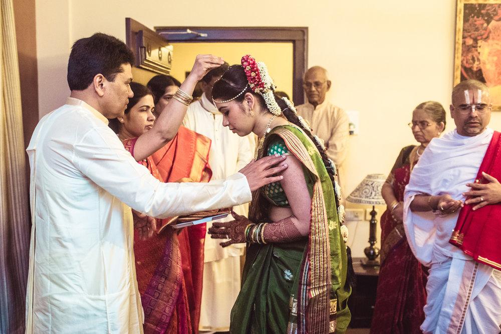 telugu-candid-wedding-photographer-hyderabad-0016.jpg
