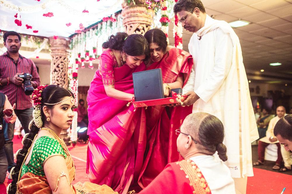 telugu-candid-wedding-photographer-hyderabad-0030.jpg
