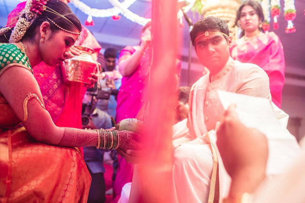 telugu-candid-wedding-photographer-hyderabad-0038.jpg