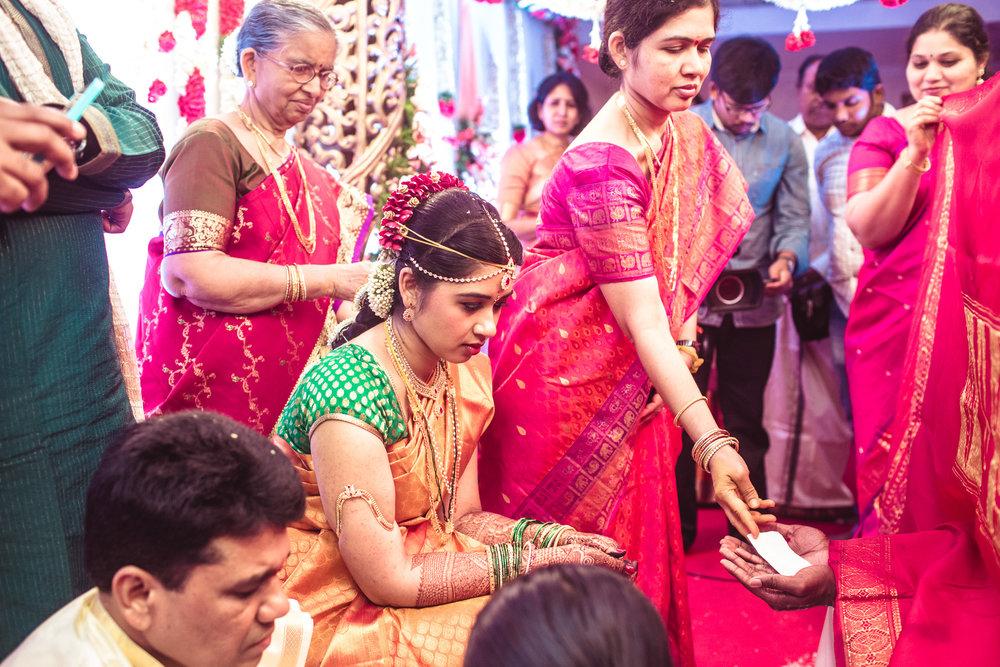 telugu-candid-wedding-photographer-hyderabad-0039.jpg